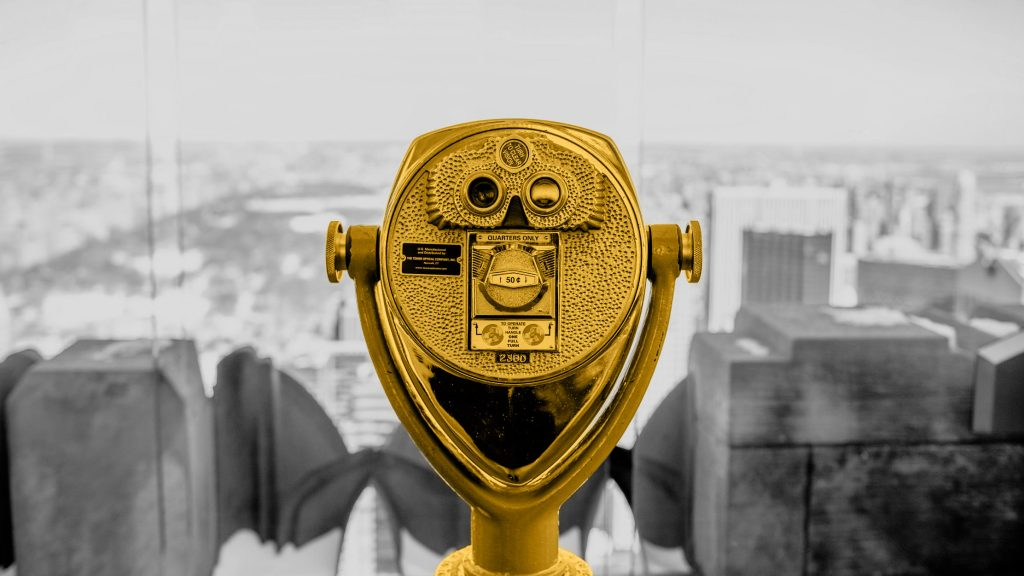 paid binoculars to see the city view